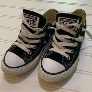 Boys Converse Black Tennis Shoes
